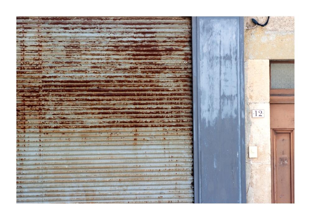 Grille-de-boutique-Caune-Minervois-(Aude)