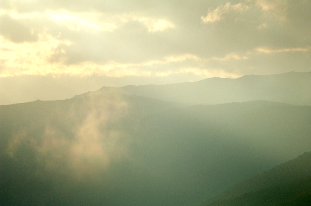 les-nuages-jouent-avec-le-soleil