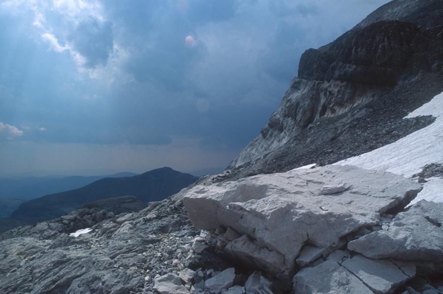 Sous-le-mont-perdu-Pyrenees