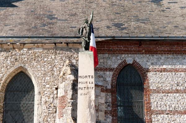 Monument-au-mort-a-cote-de-Yport-2