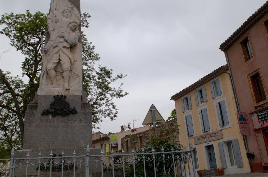 Monument aux morts Lagrasse 1