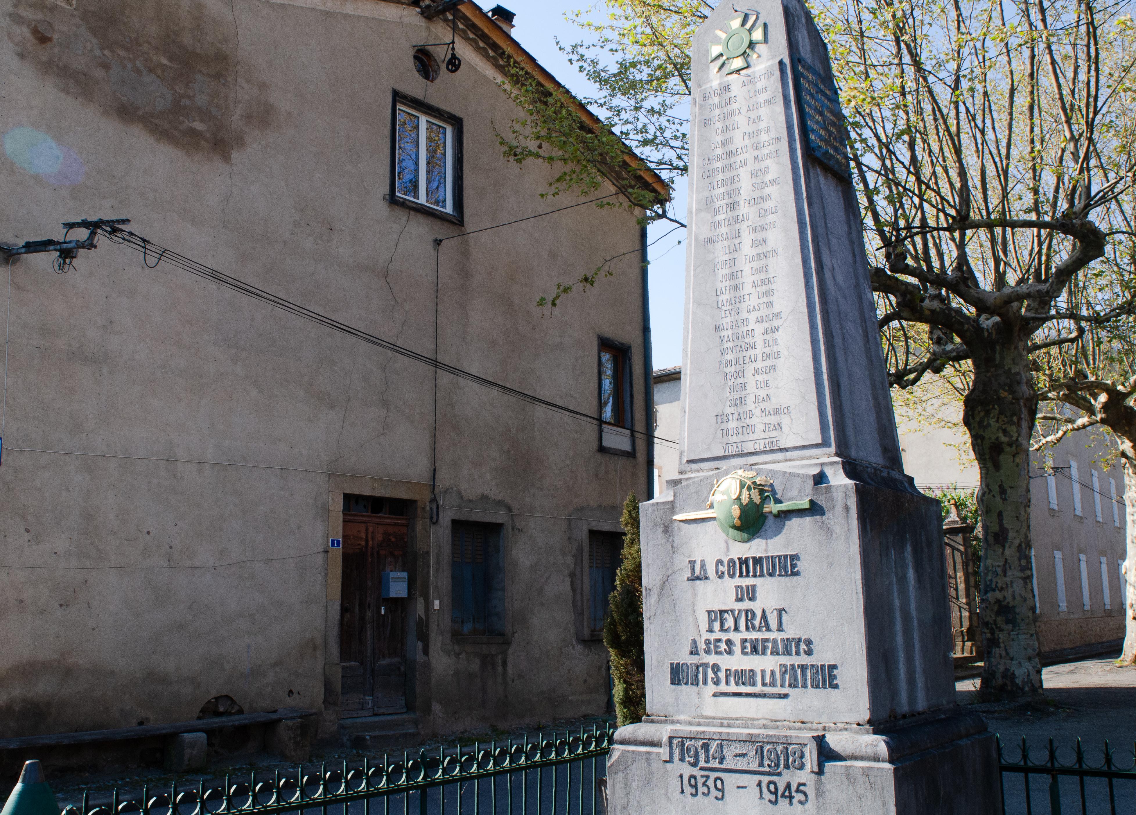 Monument aux morts Le Peyrat