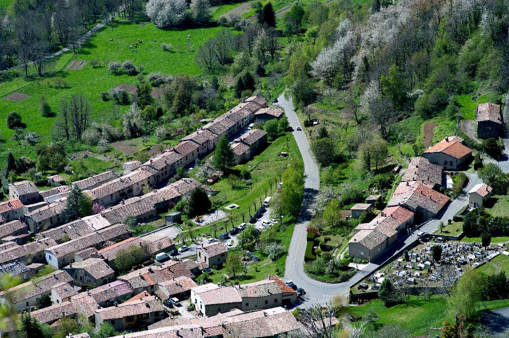 village-de-montsegur-17